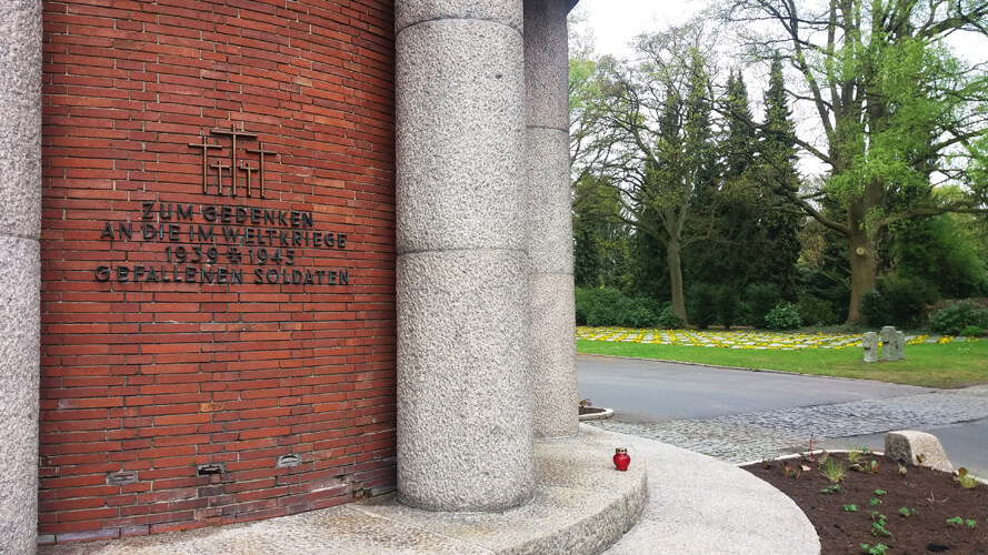 Ohlsdorf Park Hamburg Monument
